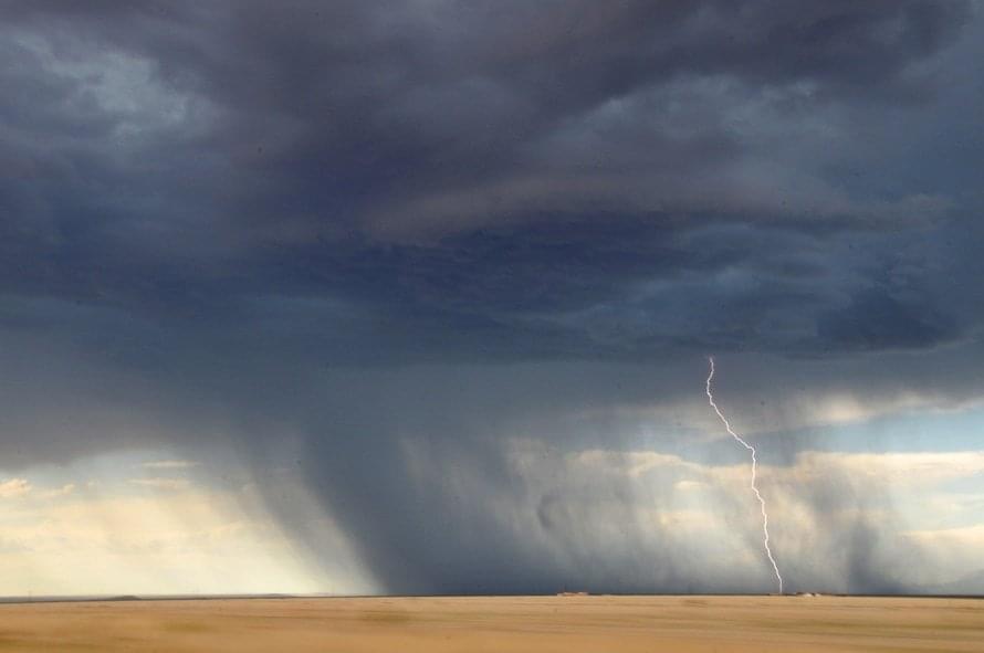 lightning-sand